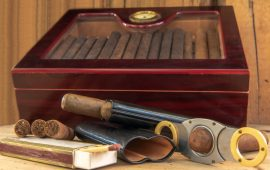 4 Must-Have Smoking Accessories