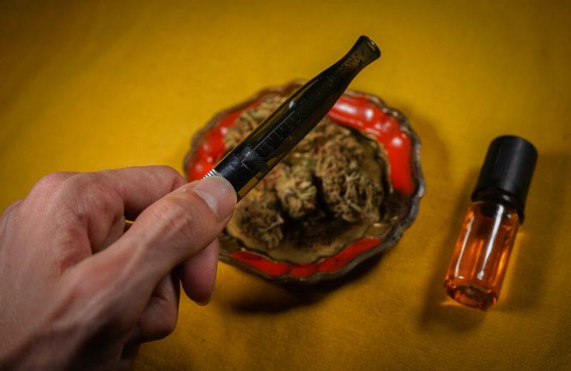 marijuana oil, orange, marijuana flower CBD 2020 cigarete